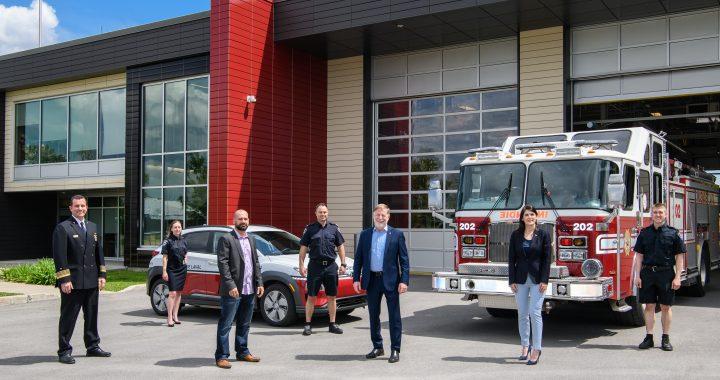 La Ville de Laval signe une convention avec l'Association des pompiers de Laval