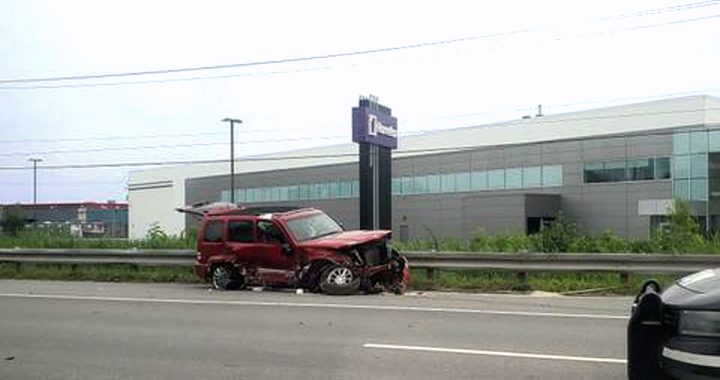 Collision impliquant trois véhicules sur la 440 est à Laval
